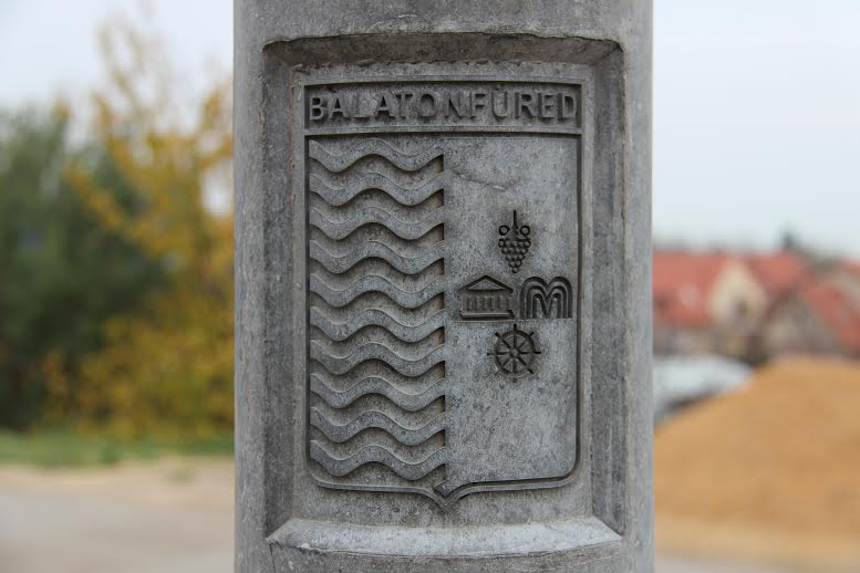 Címeres betonoszlopok Balatonfüred referencia