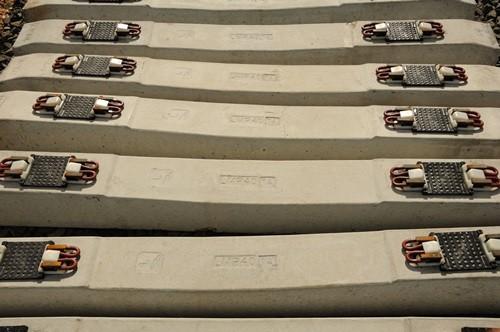 1-es villamos betonaljak Pandrol szerelvénnyel