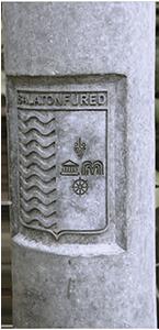 Exkluzív és címeres oszlopok